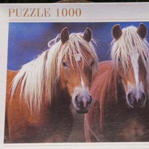 1000 brikkers puslespil med hestemotiv af 2 Haflingere. God stand