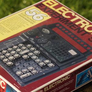 Elektroniksæt i Vintage stand. Gakken EX 56 fra 1980 erne. Fremstår som ny