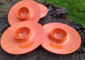 4 STK lækre dansk design Rosti æggebægre i orange. Sætpris