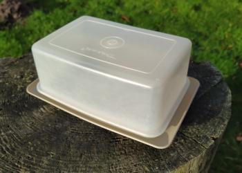 Tupperware ost/Smør box retro