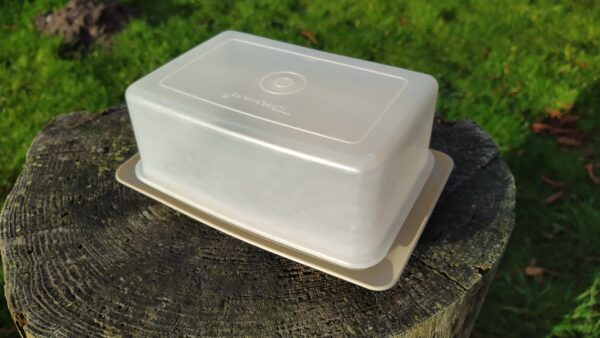 Tupperware smør og ostebox