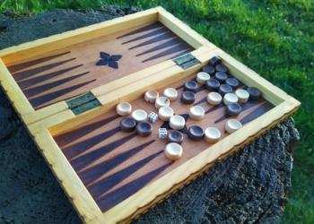 Backgammon og Dam spil i træ