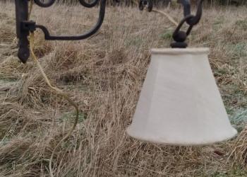 Hængelampe i håndsmedet jern. Lampet. Antik væglampe 50 cm