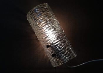 Glas væglampe til stuen eller entre. Art Deco væglampet i håndlavet glas. Orrefors.