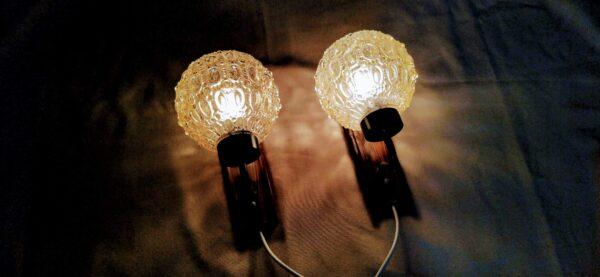 Retro 2 STK eksklusive væglamper i teak og glas. Nyrenoveret med nye ledninger.