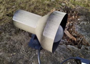 Svensk design væglampe i smuk stand. Original dust paintet. Produceret af AB Belid Varberg.