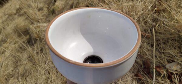 Smuk keramik retro køkken lampe. Hvid glasur. 17×17 cm