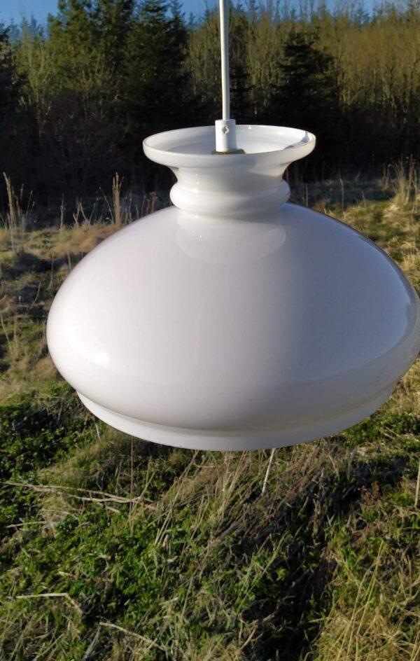 Stor smuk opalglas Holmegaard upcycled pendel. 30 cm klargjort.