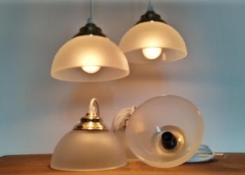 Komplet sæt med 5 smukke glaspendler til langbord, butik, køkken m.m. Nyt el.