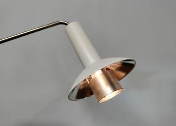 """Louis Poulsen væglampe model """"Louise"""" fra 70 erne."""