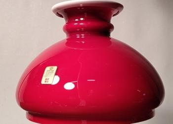 Smuk Bordeaux rød Holmegaard upcycled pendel. Lille og kraftfuld.18 cm