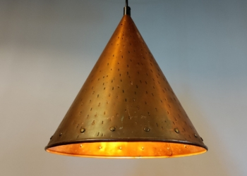 Stor smuk kobber pendel med nyt el. 30 cm i diameter.