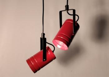 Sæt med 2 David lamper i perfekt stand. Nyt el. Mørkerøde