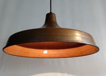Imponerende kobber lampe til spisebordet fra 70 erne. 43 cm med nyt el.