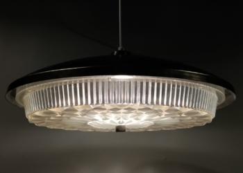 Stor smuk retro lampe til spisebordet i stål. Upcycled og med nyt el. 45 cm i diameter.