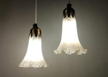 Sæt med 2 smukke eventyrlige glaspendler med nyt el.